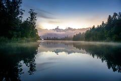 Озеро Matheson Размещайте около ледника Fox стоковое фото rf