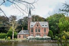 Озеро ` Minnewater ` влюбленности в Брюгге стоковое фото