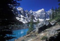 Озеро Moranie и долина 10 пиков, национальный парк Banff, Альберта, Канада Стоковое Изображение RF