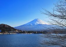 Озеро Mount Fuji и kawacuchiko, Kawacuchiko, Япония Стоковые Изображения