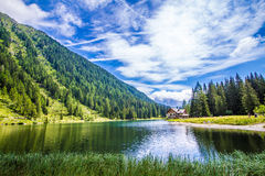 Озеро Nambino в Альпах, Trentino, Италия Стоковое Изображение