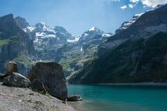 Озеро Oeschinensee в Швейцарии Стоковое Изображение RF