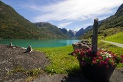 Озеро Oldenvatnet в Норвегии в Европе Стоковые Фотографии RF