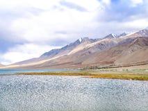 Озеро Pangong или Tso Pangong, Ladakh, Индия стоковая фотография rf