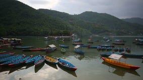 Озеро Phewa, Pokhara, Непал видеоматериал
