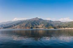 Озеро Phewa, Pokhara, Непал Стоковое Изображение