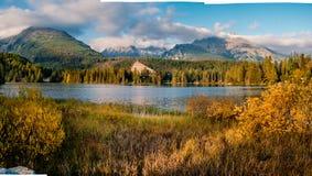 Озеро pleso Shtrbske в осени Горы Словакии высокие Tatras стоковое фото rf