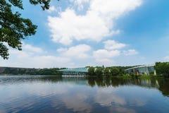 Озеро Qian в ботаническом саде в лете Стоковая Фотография