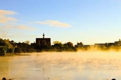 Озеро Rotomahana в утре Стоковое фото RF