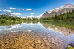 Озеро Shaffer, национальный парк Yoho Стоковая Фотография