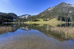 Озеро Spitzingsee в Баварии, Германии Стоковая Фотография