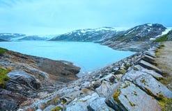 Озеро Svartisvatnet и ледник Svartisen (Норвегия) Стоковые Фотографии RF
