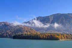 Озеро Sylvenstein в осени Стоковое Изображение RF