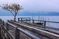 Озеро Tamblingan в Bedugul, Бали, Индонезии стоковые фотографии rf