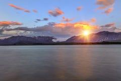 Озеро Tekapo на заходе солнца Стоковое Изображение RF