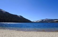 Озеро Tenaya, Yosemite, Калифорния, США Стоковые Фотографии RF