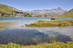 Озеро Tignes в Франции Стоковые Изображения RF
