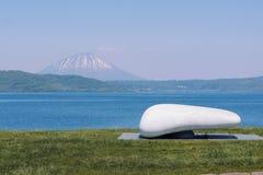 Озеро Toya и гора Youtei Стоковое фото RF