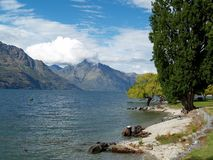 Озеро Wakatipu, Queenstown, Новая Зеландия Стоковое фото RF