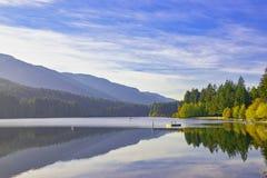 Озеро Westwood во время падения в Nanaimo, ДО РОЖДЕСТВА ХРИСТОВА, Канада стоковые изображения rf