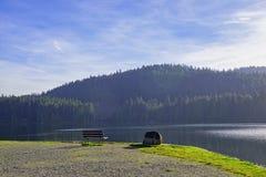 Озеро Westwood во время падения в Nanaimo, ДО РОЖДЕСТВА ХРИСТОВА, Канада стоковая фотография rf