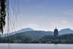 Озеро Xihu, ориентир ориентир Ханчжоу, Китая Стоковое фото RF