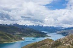 Озеро Yamdrok Стоковая Фотография