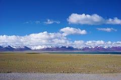 Озеро Yamdrok Yumtso, Тибет Стоковое Изображение RF