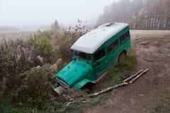 Окапывайте off-road carin стоковые фотографии rf