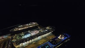 Океанский лайнер на ноче видеоматериал