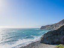 Океан в Тихой океан береговой линии, большом Sur на шоссе 1 Стоковые Фото