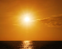 океан над заходом солнца Стоковые Фото