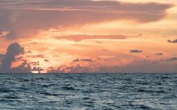 Океан на заходе солнца Стоковая Фотография