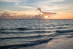 Океан на заходе солнца Стоковые Фото