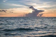 Океан на заходе солнца Стоковые Фотографии RF