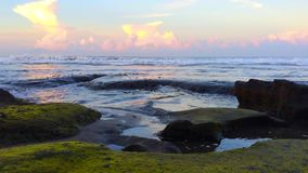 океан над заходом солнца акции видеоматериалы