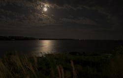 океан полнолуния сверх стоковая фотография rf