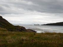 Океан с пасмурной предпосылкой стоковые изображения rf