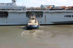Океан HMS приезжая на Sunderland, 1-ое мая 2015 Стоковая Фотография RF