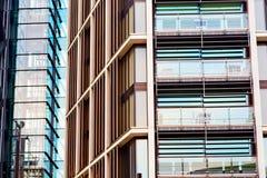 окна в городе здания небоскреба дома и офиса Стоковая Фотография