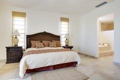 окна двери спальни большие Стоковая Фотография RF
