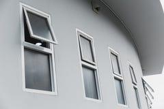 Окна нажима современного домашнего офиса алюминиевые Стоковые Изображения