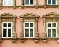 окна фасада здания Стоковое фото RF