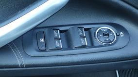 Окна фронта и задней части электрические болеенизкие или близкие окна автомобиля Titanium пакет, кожаное драпирование, орнаменты  Стоковое Изображение