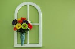 окно вазы цветков Стоковая Фотография