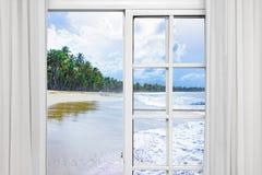 Окно вида на океан Стоковая Фотография