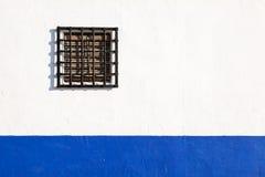 Окно в андалузских белых деревнях в Испании Стоковое Фото