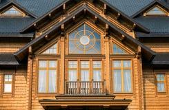 Окно в деревянном доме Стоковая Фотография