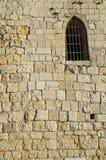 Окно в стене старой башни Стоковое Изображение RF