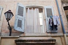 Окно в St Tropez стоковые фотографии rf